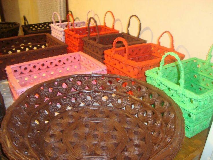Cestas de papel periodico reciclaje pinterest - Hacer cestas con papel de periodico ...