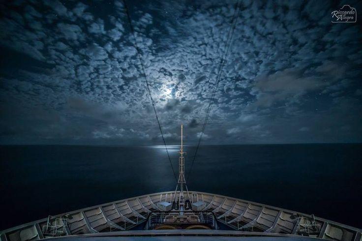 Opera Fotografica: Ghost ship.  Artista: Riccardo Allegra   Fotografia, 30,5x46, doppia esposizione, 2015.