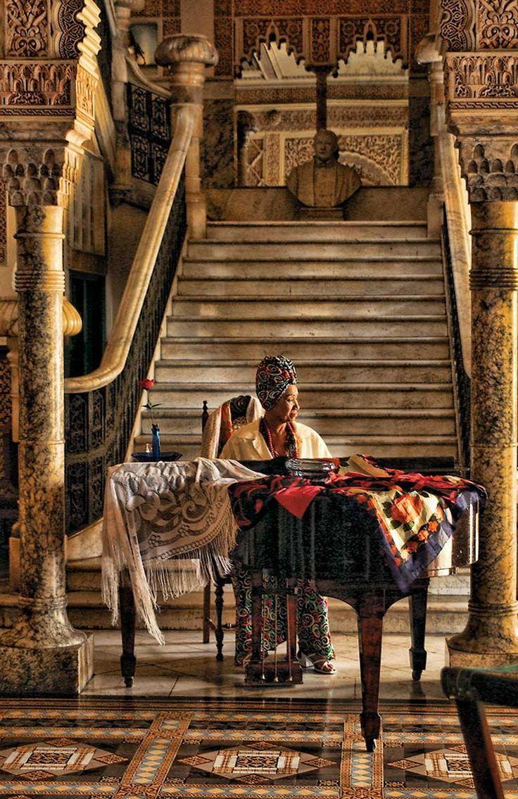 Cuba, Cienfuegos Diva | ©2014 John Galbreath