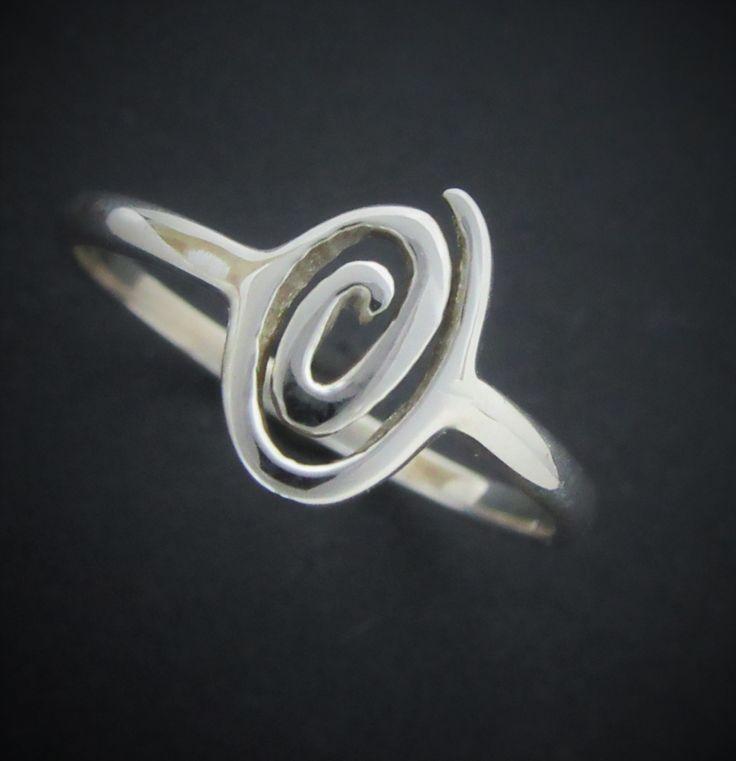 Handmade Newgrange spirial ring from www.celticicejewelry.com