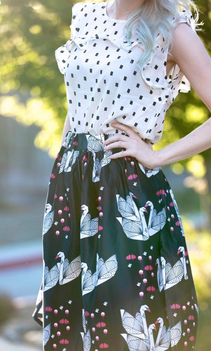 Swan pattern skirt and simple patterned top