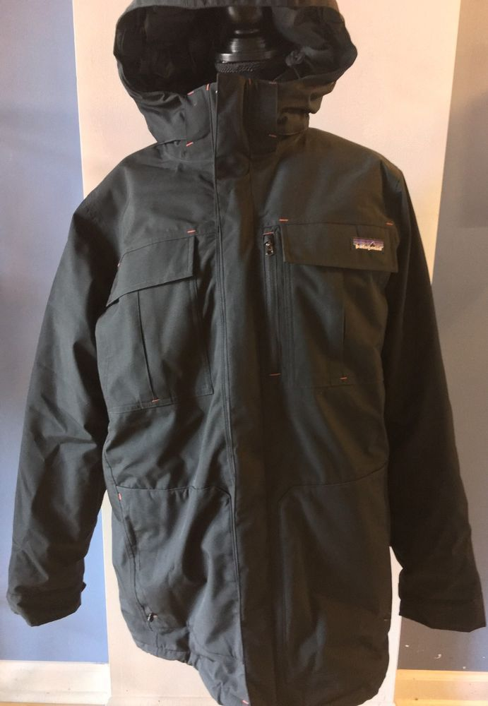 Patagonia Men's Thunder Cloud Down Parka Coat Jacket in Black - Size Medium (M) #Patagonia #Parka