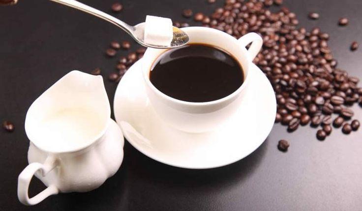 Según el estudio publicado en la revista Fertility and Sterility,  las mujeres que beben más de dos bebidas con cafeína a diario durante las primeras siete semanas de embarazo son más propensas