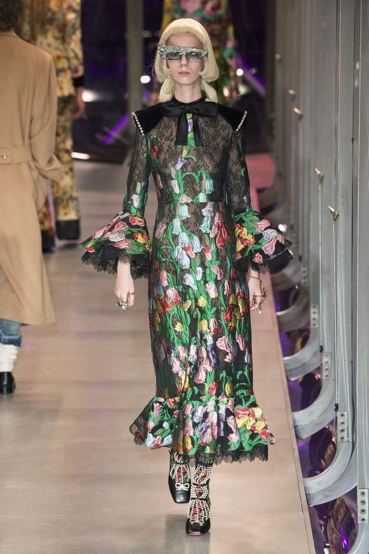 Défilé Gucci prêt-à-porter femme automne-hiver 2017-2018 8
