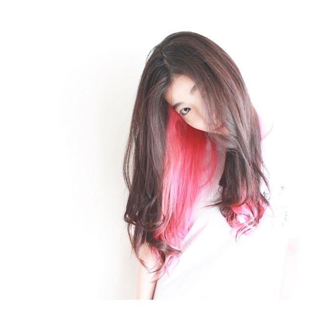 WEBSTA @ jooji99 - ピンク「インナーカラー」__#haircolor#헤어스타그램#염색#헤어스타일#뷰스타그램 #헤어스타일#미용실#염색#ハイトーンカラー#ホワイトブリーチ#ブリーチ#ダブルカラー#manicpanic#マニックパニック#redhairメッシュ#セクションカラー#ピンクヘアー#春