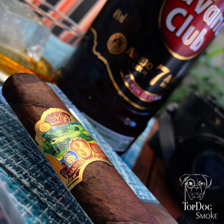 Master Blend 3 is a complex smoke with earth wood and spices being predominant notes. Pairs fantastic with Havana Club 7 year rum. #topdogsmoke #havanaclub #rum #masterblend3 #olivacigars  #cigar #cigars #cigarsociety #cigarlife #cigarworld #cigarlifestyle #cigaroftheday #cigarsnob #cigaraficionado #cigarians #cigarporn  #cigarlover #cigarsmoker #brooklyn @olivacigar @_havanaclub @havanaclubca @havanaclub_de @havanaclubar