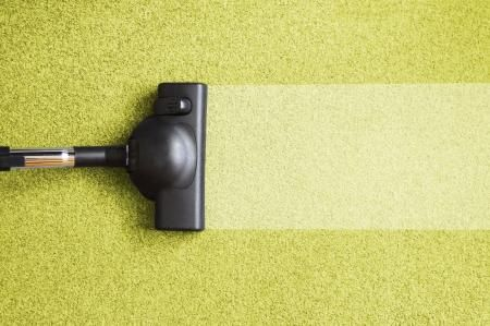 Как быстро и просто почистить ковер дома