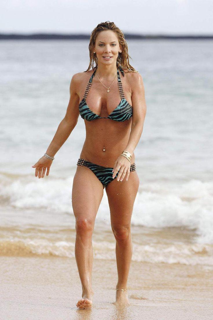 http://www.wikifeet.com/Simona_Fusco