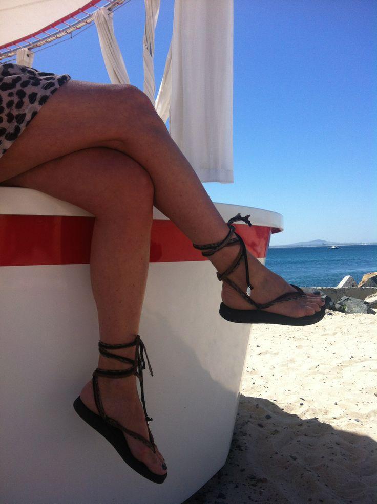 Comfortabele slippers, stijlvol en hip  Bekijk onderstaande link voor onze gehele collectie Bandajanas http://athomedeco.nl/advanced_search_result.php?keywords=bandajanassearch_in_description=1x=12y=13