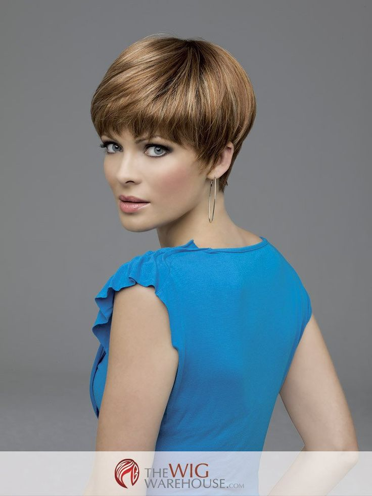 The lightweight JoAnne wig by Envy is a contemporary take on the classic pixie cut. Offering plenty of loose and long layers, with a fringed nape, the wispy edges of this style offer a whimsical chicn