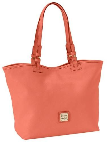 I think I may have found the perfect coral bag! This color has truly has swept me off my feet.