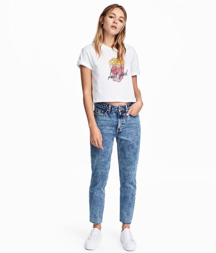 Kolla in det här! Ett par ankellånga 5-ficksjeans i tvättad denim. Jeansen har smala ben och hög midja. Avklippt, fransig kant vid benslut. Gylf med dragkedja och knapp. - Besök hm.com för ännu fler favoriter.
