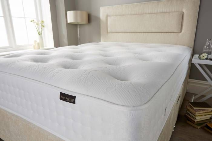 You don't need to try a mattress in a shop to get the right mattress. You don't need to endure busy shopping centers and showrooms to get the right mattress. In fact, it is in your interests not to. This article will ensure you set off with the right criteria when searching for a new mattress, making sure you know exactly what to look for.