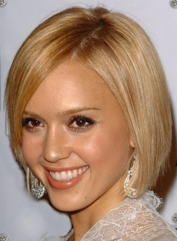 Love it when Jessica Alba goes blonde.