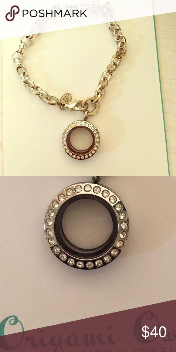 Origami Owl Bracelet with Small Locket Dangle Includes bracelet with the Locket! Origami Owl Jewelry Bracelets