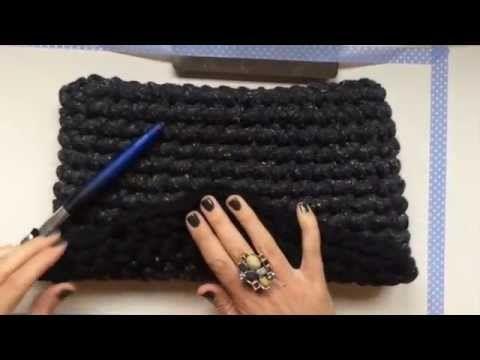 Aprende a tejer un Clutch de trapillo con solapa. Vídeo-tutorial / Santa Pazienzia