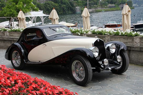 This Alfa Romeo 6C 1750 received a unique coupé body by Italian coachbuilder Figoni in 1933, before it became Figoni & Falaschi in 1935. This model was the 1933 Paris Motor Show car.