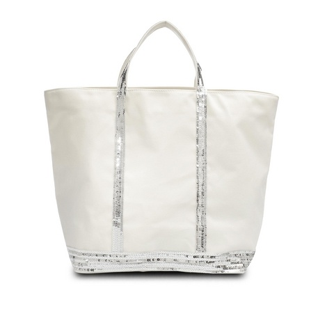 Every fashionista in Paris has at least a vanessa Bruno bag. This hobo bag is a classic... Whatever the fabric! I love it