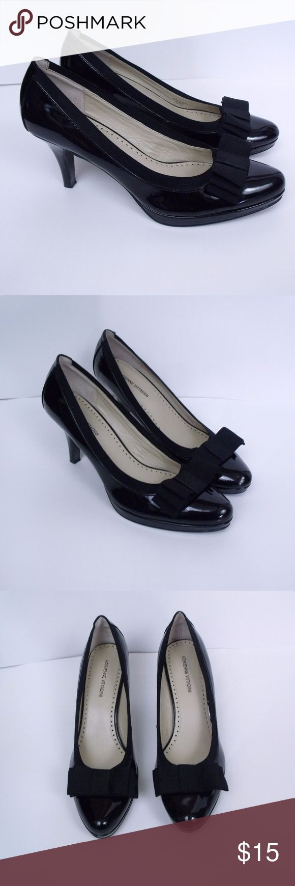 """Adrienne Vittadini Posy Heels Size: 9M  ~ Adrienne Vittadini """"Posy"""" Heels. Heels are accented with a bow on the front. Heels are 3"""" high. ~ Heels are in nice condition with very minor wear. Adrienne Vittadini Shoes Heels"""