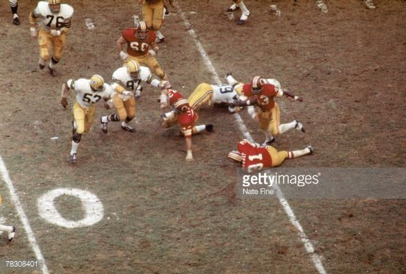 Larry Brown Washington Redskins | ... Playoff Game - Green Bay Packers v Washington Redskins : News Photo