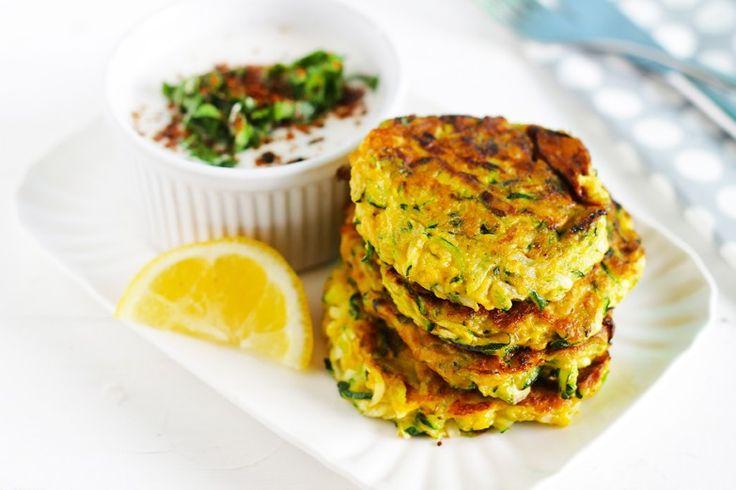 Gli hamburger di zucchine sono un secondo piatto semplice, facilissimo da preparare e davvero buonissimo. Ecco la ricetta