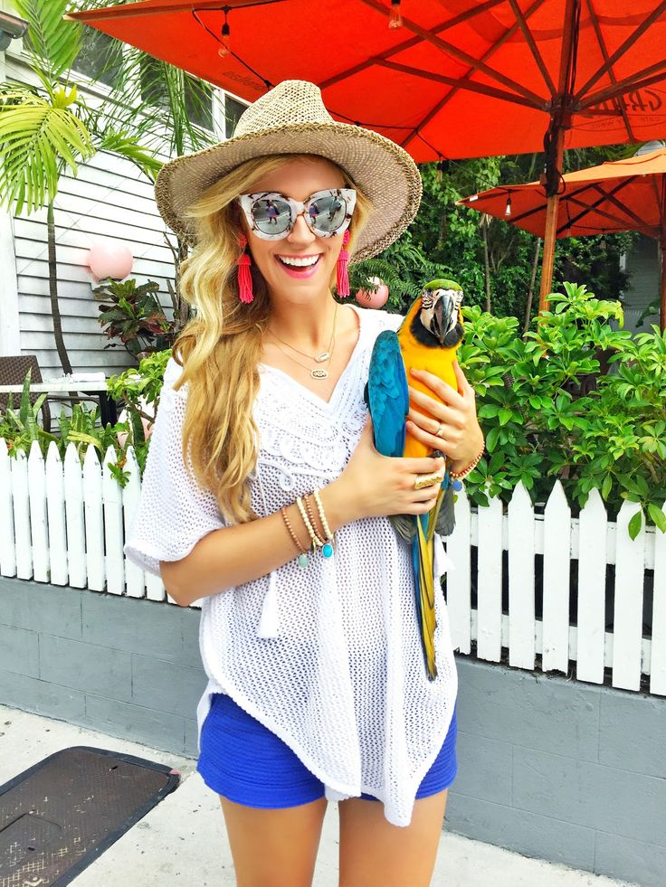 A Pinch of Lovely | Southern Fashion & Style Blog. Lilly Pulitzer sweater+Lilly Pulitzer shorts+Quay sunglasses+Lisi Lerch earrings+Jemma Sands bracelets+straw hat+Kendra Scott necklaces. Summer outfit 2016