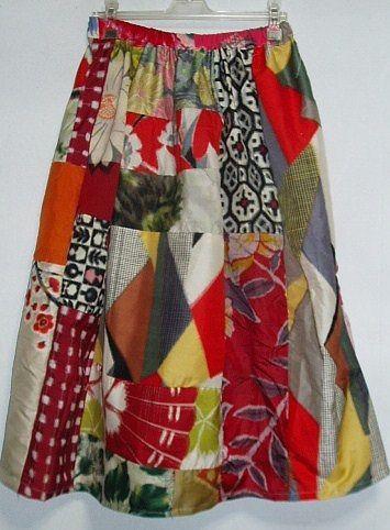 アンテックの着物から作ってます。 ご覧頂ありがとうございます。アンテックの着物から作ってます。ビタミンカラーをベースにいろいろ銘仙をパッチしたスカートをつくり...|ハンドメイド、手作り、手仕事品の通販・販売・購入ならCreema。