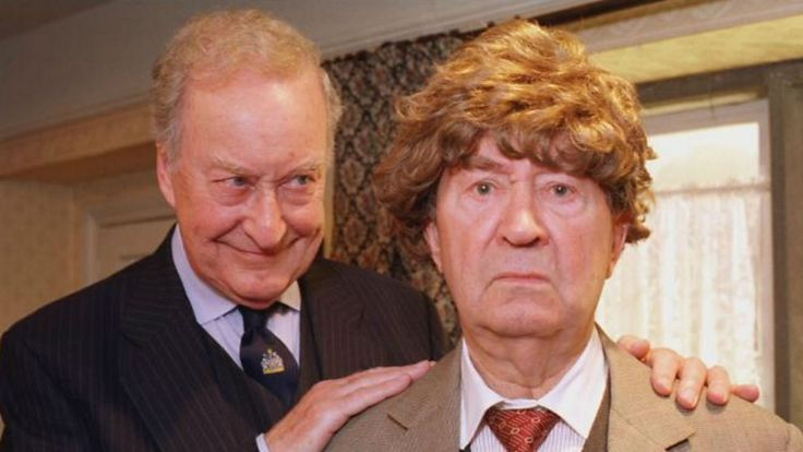 Last of the Summer Wine - Episode 184: Under the Rug - Clegg wearing the wig that Howard ordered.