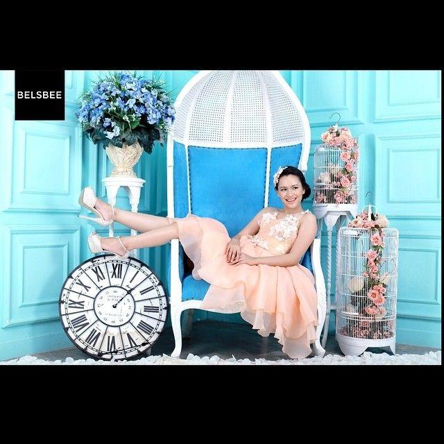 Happy belated Birthday to our lovely model @twindararasati is having a birthday today! She looks super cute in BELSBEE new collection from young talented designer @cindytandiyah. Happy birthday dear!   MUA: @findhamarizka / photographed by: @febriansyah_selamat_pribadi   visit and subscibe at http://www.belsbee.com/  #sewabaju #rentaldress #fashion #bajupesta #gaunpesta #kebaya #sewakebaya #sewadressprewed #sewadress #sewadressmurah #gaun #kebayawisuda #sewakebayamurmer #prewed