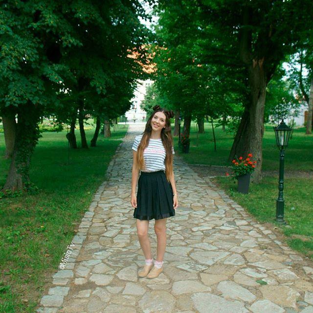 Beautiful alley of trees   #Hair #HairStyle #InstaBraid #InstaHair #SpaceBuns #MohitoFashion #BellamiHair #HairInspo #SummerStyle #Extensions #GirlsTravelDiary #Poland #Polska #HairTrend #StyleInspiration #Style #Outfit #Fashion #HairDo #Ootd #BellamiGuyTang #PerfectHairPics  #HairsandStyles #FeatureFridayStyle #MisiaTV  @hairsandstyles @bellamihair @mohitofashion @girlstraveldiary