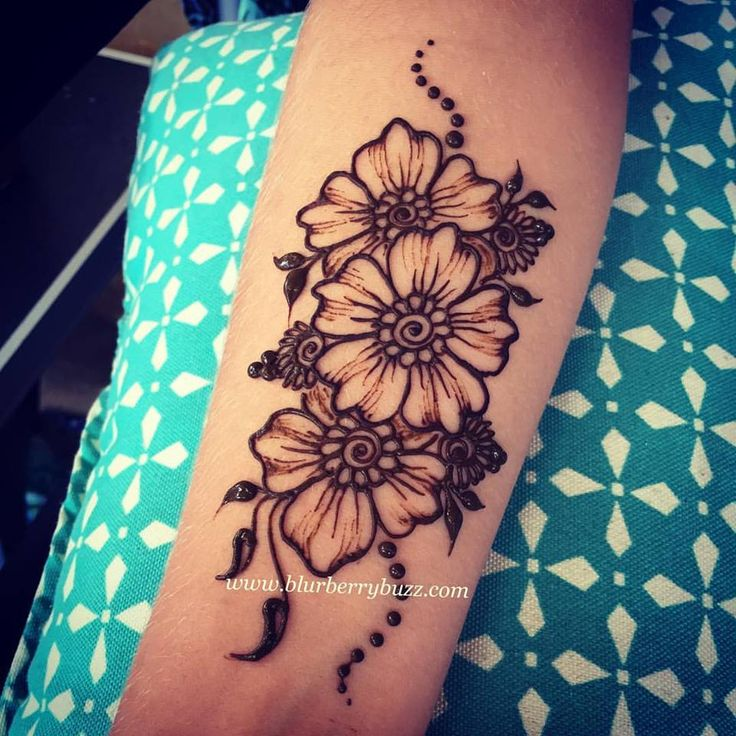 Henna Body Art by Victoria