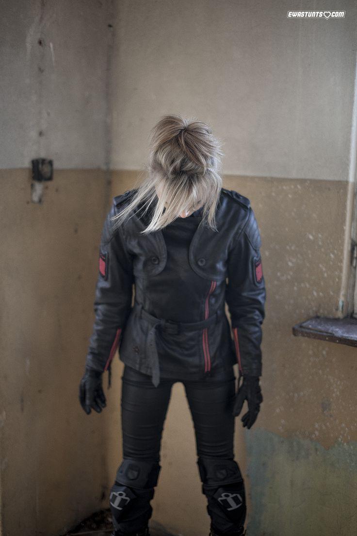 I'm a big fan of the Icon leather jacket! #rideamongus #iconmotosports #rideicon #stuntgirl #femalerider #iconteam #alwayswearyourgear #rockthegear