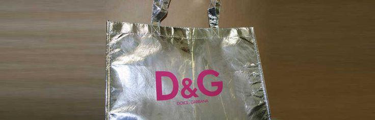 Bolsapubli produce bolsas con logotipo del cliente impreso en los márgenes que cada bolsa permita. Somos especialistas con más de 50 años de experiencia.