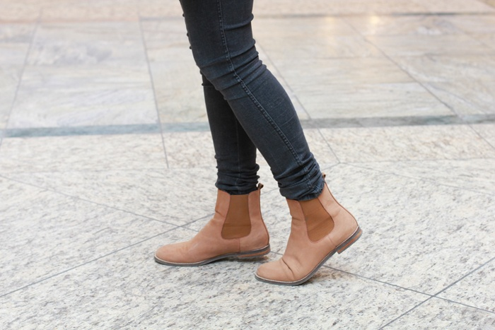 chelsea boots, i really like them (in other colours)