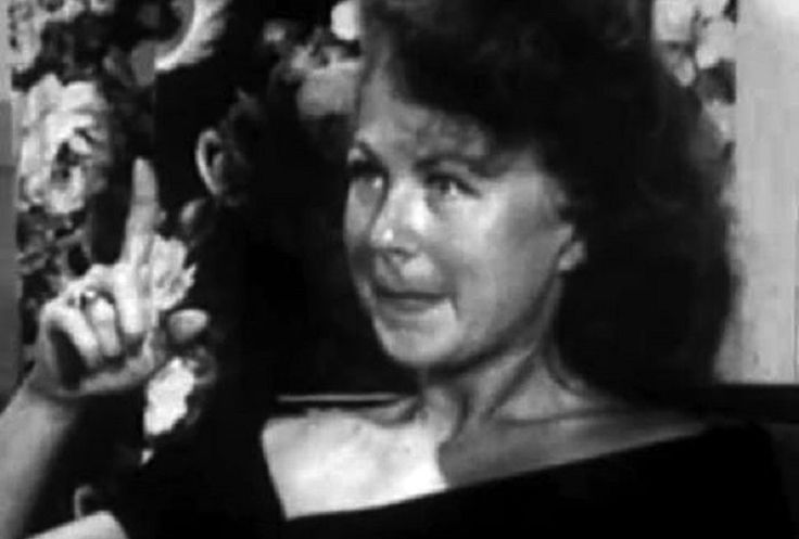 EXPERIMENT: Amazing Footage Shows 1950s Housewife Tripping Out On LSD. This is how drugs like LSD effect the human brain. Simply outstanding...