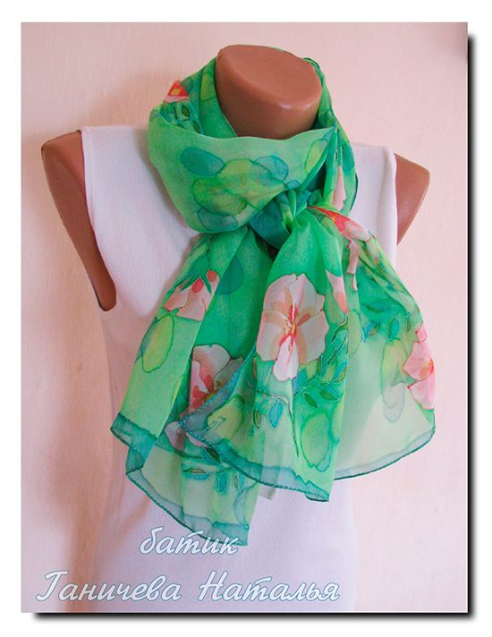 шарф Весенний шиповник, 160х45, шелк-фуляр, холодный батик, профессиональные красители, подшит вручную, продается — 2200 руб.