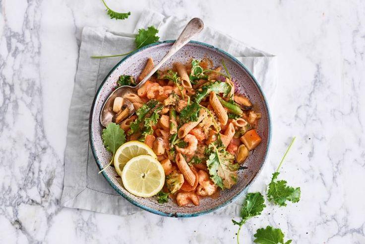 Boerenkool is echt niet alleen geschikt voor stamppot, in een romige pasta als deze doet-ie het ook goed - Recept - Allerhande