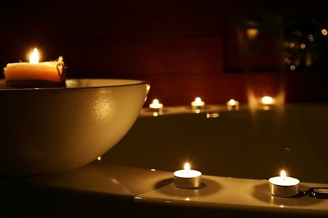 Tranquility: Spa Bath, Therapeut Spa, Favorite Places, Candles Surroundings, Beautiful, Warm Bubbles, Well Center, Well Feelings, Bubbles Bath