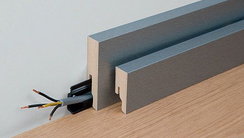 Skirting board profile 9 PK (80mm), profile 8 PK (50mm). This skirting board, with its modern square-edged shape, is available in 16 different colours. Skirting boards with primer film coating can be painted in any colour you like.