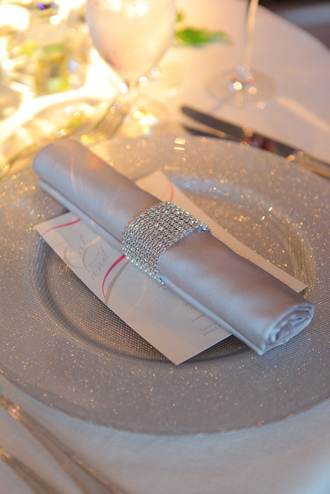 best 25  glitter charger ideas on pinterest