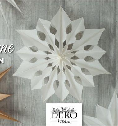 DIY Giant dimensional paper stars and snowflakes (with template) // Óriási térbeli papír csillagok és hópelyhek papírból (sablonnal) // Mindy - craft tutorial collection // #wintercrafts #winterdecors #wintercrafttutorials #diy #DIY #wintercraftideas #diywinterdecors