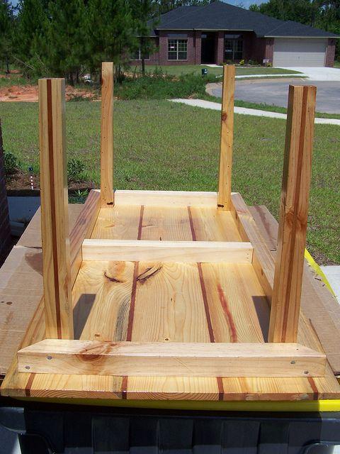 pallet table by twolaneblacktop1320, via Flickr