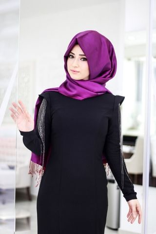 Zincirli Siyah Tesettür Abiye Elbise