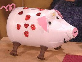 pig from bleach bottle | This one is my favorite. Make your own piggy bank.
