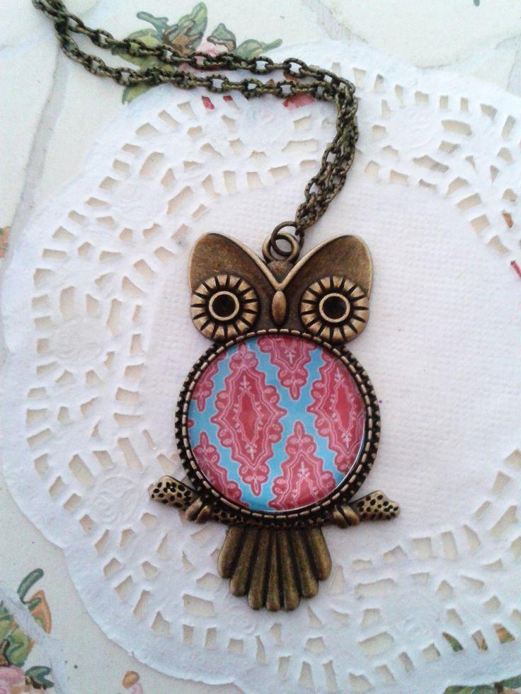 Bagoly formályú medál színes lencsével Owl pendant