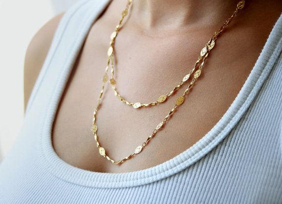 Delicate gold chain made of high quality 24k gold chain with tiny leavs segments.  This everyday necklace is simple yet unique and its one of my