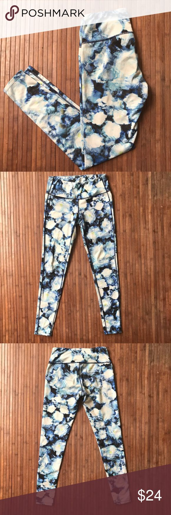 Athleta • Floral Workout Pant 🌙Athleta by Gap  🌙designed in Sonoma, California  🌙88% polyester 12% lycra spandex  🌙machine wash cold • gentle cycle • hang dry Athleta Pants Leggings