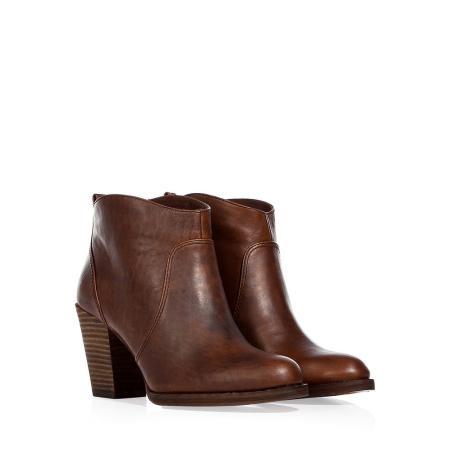 KORS MICHAEL KORS  Coffee Ankle BootsMichael Kors Shoes, Kors Michael, Coffee Ankle, Style, Kors Coffee, Ankle Boots, Fashion Footwear, Beautiful Boots, Beautiful Fashion