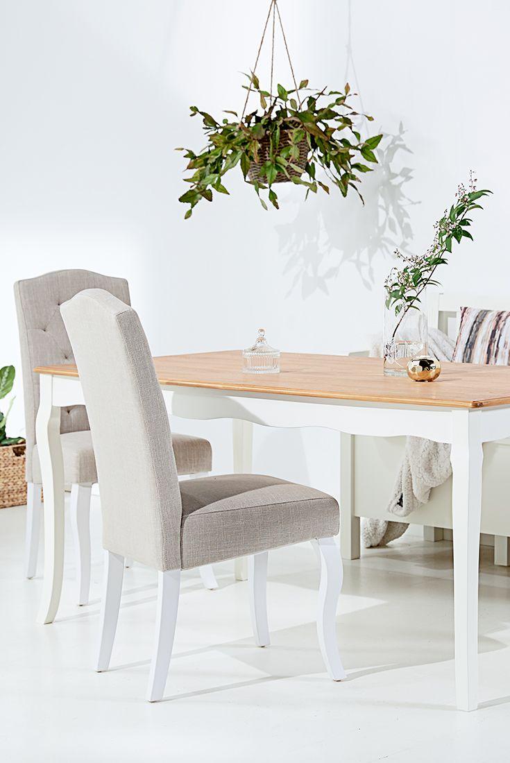 Romantic style dining room