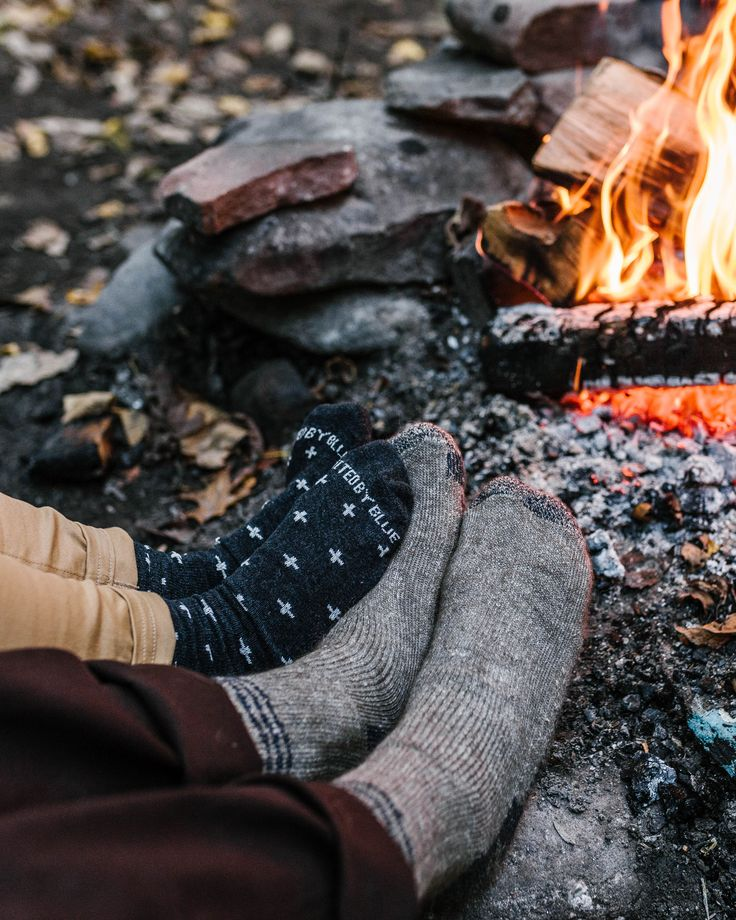 Details Because you can't go barefoot in boots, our trail sock alternative hits the spot for a summer outdoors. Light, breathable recycled cotton keeps us cool while 6 unique prints make these an ever